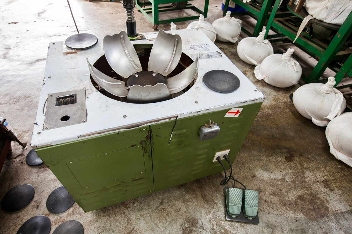 Wulong Cloth-Wrapped Kneading Machine